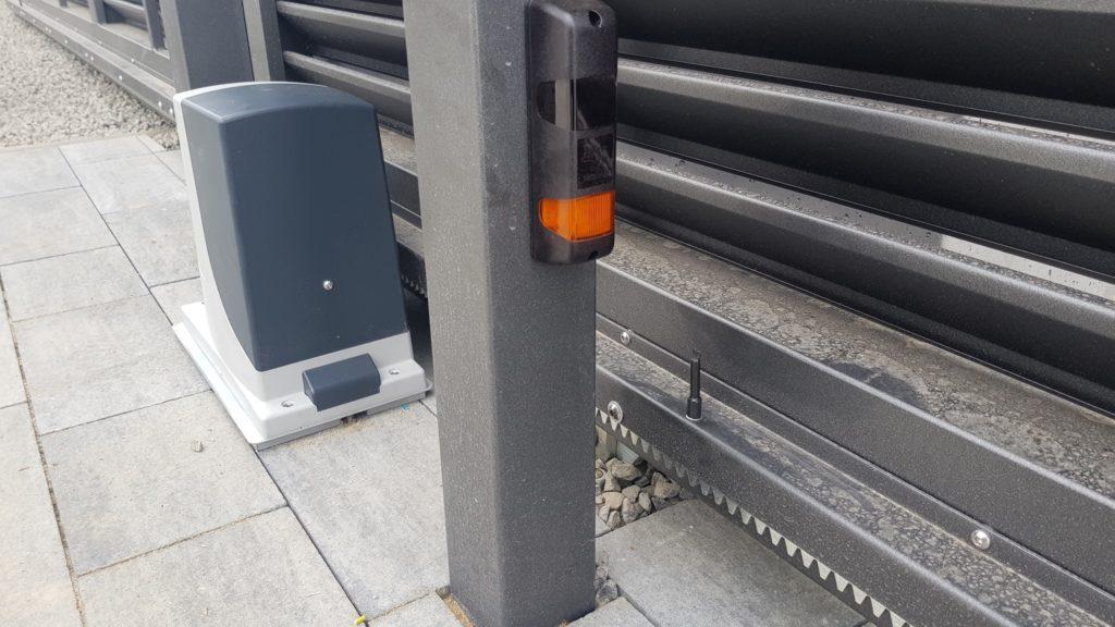 fotokomórki z funkcją lampy fotokomórki typu flash fotokomórki nowoczesne rozwiązania